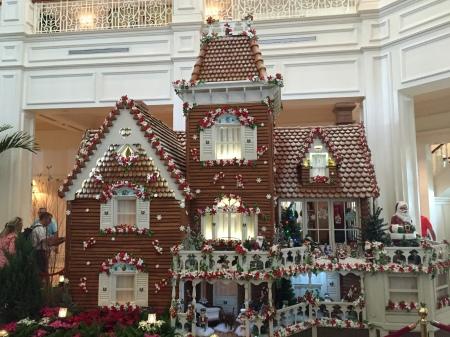 Self-Guided Disney Resort Christmas Decor Tour - Grand Floridian